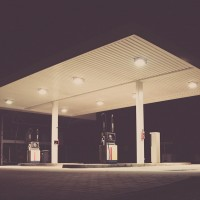 gas-station-692045_1280